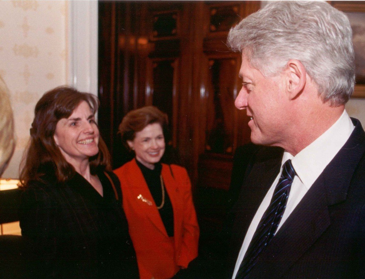 Katie Clapp, Mary Beth Busby, President Bill Clinton at the White House in 2001